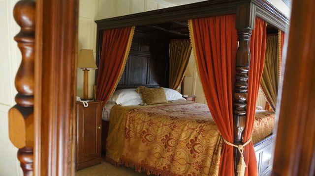 Ravenwood Hall Hotel