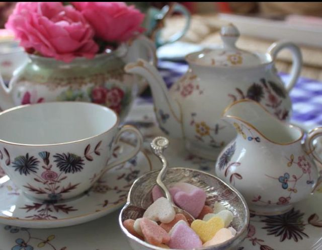 VIDEO: Afternoon Tea Etiquette Tips With Miss Sue Flay