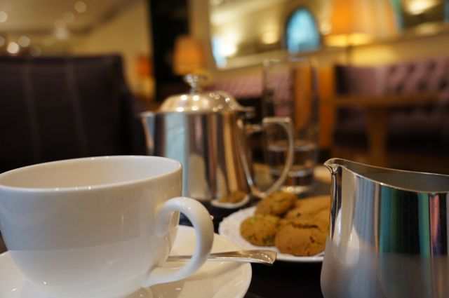 Review: Afternoon Tea & Backgammon At The Halkin